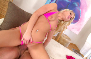 Sexy blonde gal Vanda L is about to have sex the way she likes it