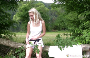 Classy blond Sara J with a large vibrator ribs up her cooter