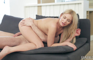 Raunchy Lindsey Olsen sucks lover's big juicy meat rocket